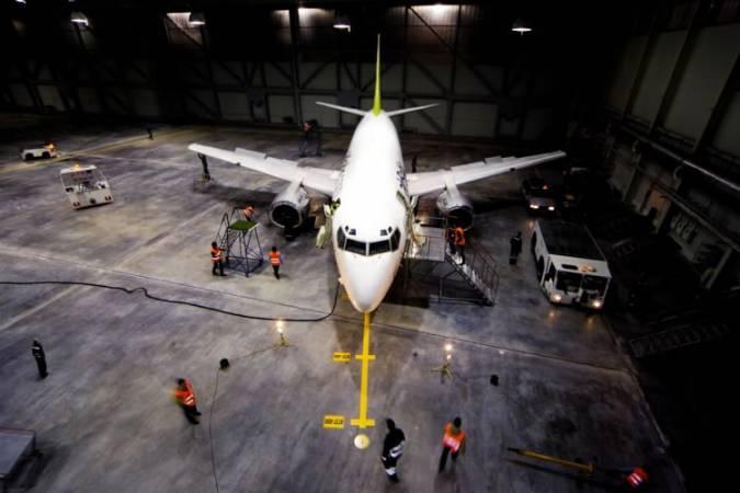 """""""Atvērto durvju"""" dienā liela interese par mācībām """"airBaltic"""" Pilotu akadēmijā"""