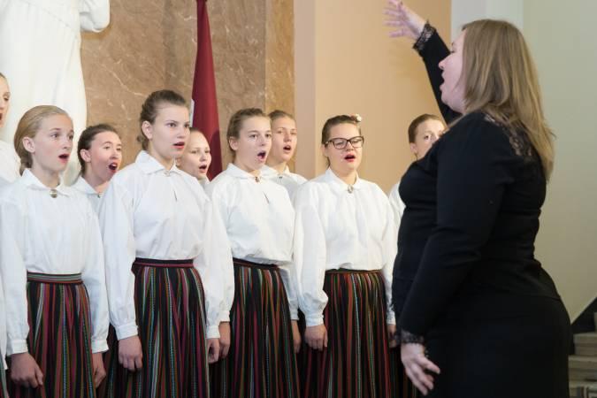 Eksperti sniedz padomus Latvijas valsts himnas izpildīšanai