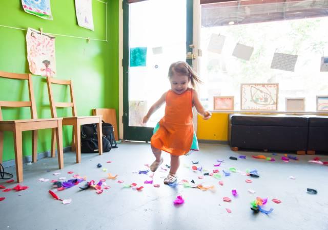 """Lietuvā ierosina atļaut nelielu """"mājas bērnudārzu"""" veidošanu"""