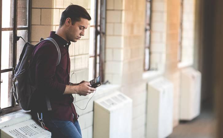 IZM rosina ļaut profesionālās kvalifikācijas eksāmenus un noslēguma darbus augstskolās kārtot jebkurā ES oficiālajā valodā