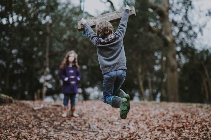 Bērnu traumu gadījumu skaits Latvijā saglabājas augsts