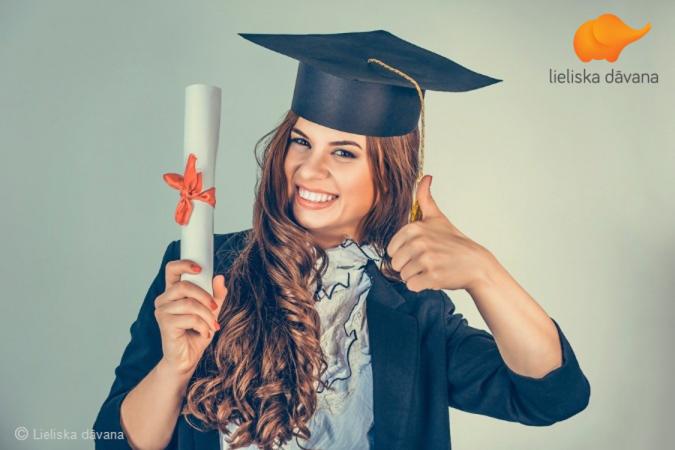 Kā izvēlēties vislabāko dāvanu absolventam? Četri labi padomi, kas neļaus kļūdīties