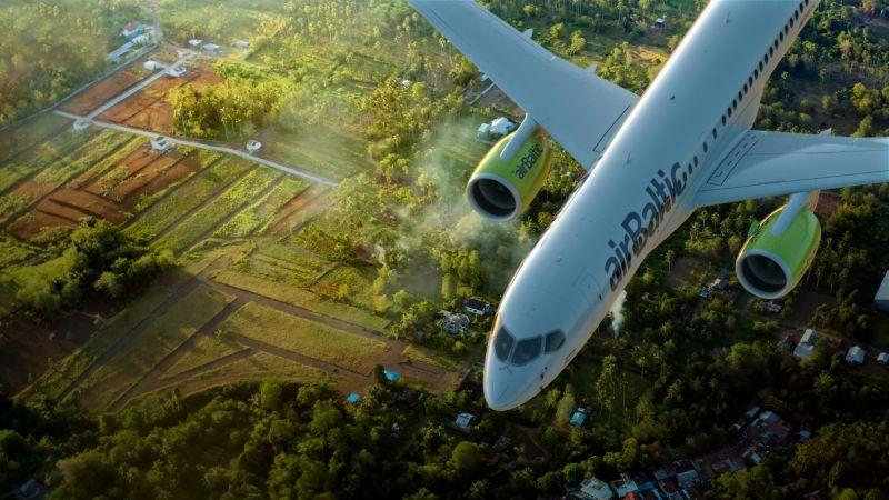"""""""airBaltic"""" Pilotu akadēmija sākusi uzņemšanu rudens grupai"""