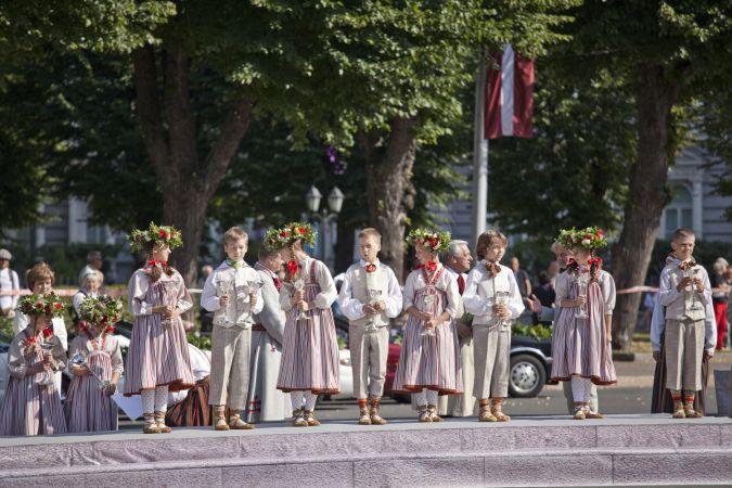 Saistībā ar Dziesmusvētku norisi Rīgā stājas spēkā pirmie satiksmes ierobežojumi