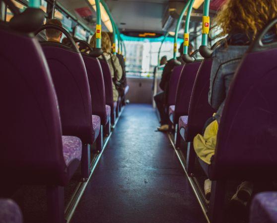 """""""Rīgas satiksme"""" aicina bērnu vecākus savlaicīgi aizpildīt pieteikumus skolēna e-kartes saņemšanai"""
