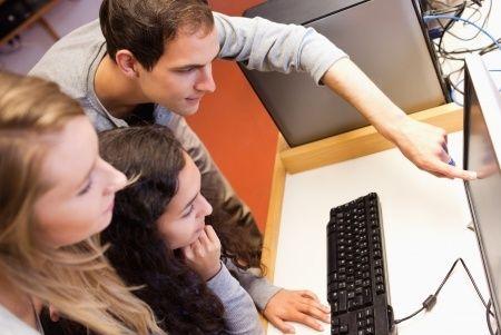 Augusta beigās notiks speciālistu seminārs par jauniešu izpratni un IKT prasmju pilnveidi
