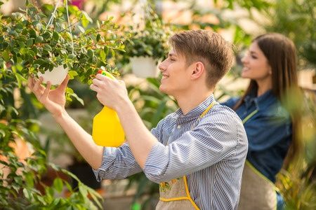 NVA projekts vasaras brīvlaikā šogad nodrošinājis darbu 5179 jauniešiem