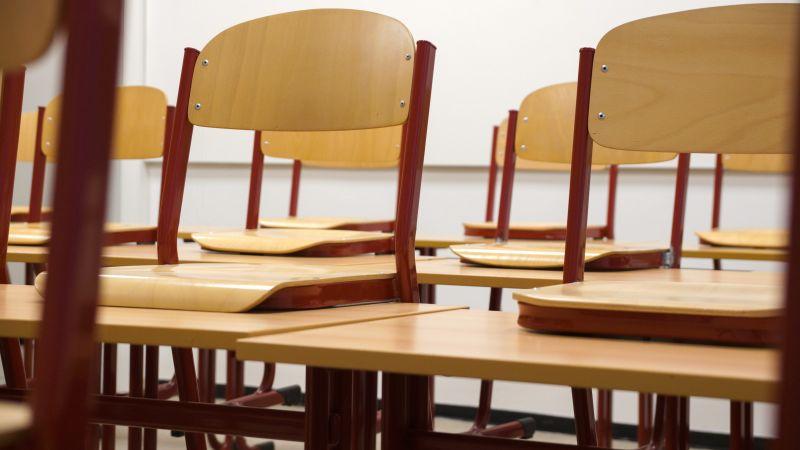 No nākamā gada pakāpeniski ieviesīs jauno vidējās izglītības standartu