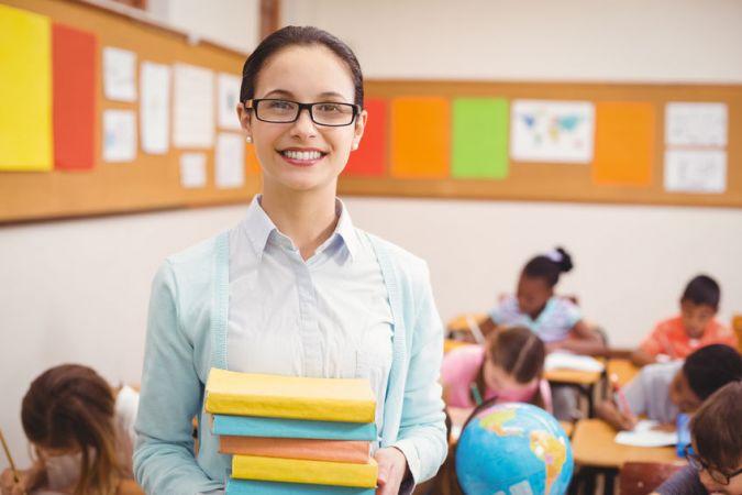 No septembra pedagogu minimālā alga pieaugs līdz 710 eiro