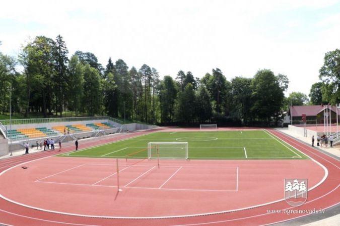 Pabeigta stadiona renovācija Ogres 1.vidusskolai