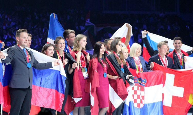 """Latvijas talanti profesionālajā izglītībā izcīna medaļas starptautiskajā konkursā """"EuroSkills 2018"""""""