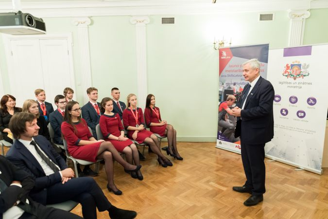 """Svinīgā ceremonijā sveic Latvijas komandu par panākumiem konkursā """"EuroSkills 2018"""""""