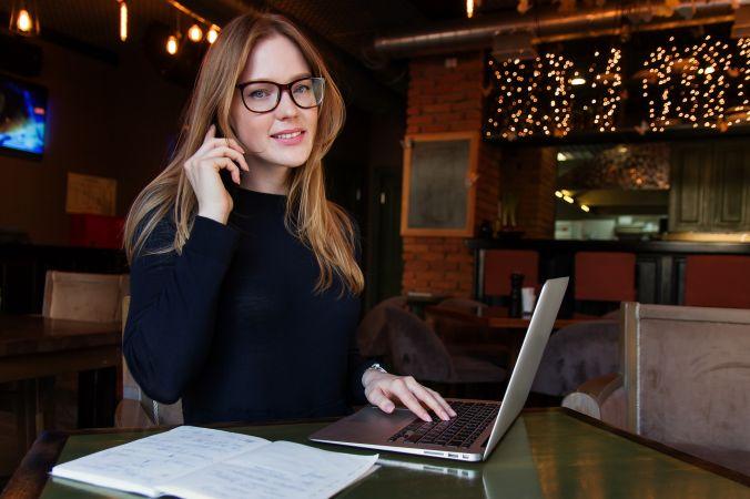 Psihologs: Pieaugušajiem ar lielāku iniciatīvu jāiesaistās jauniešu digitālajā ikdienā