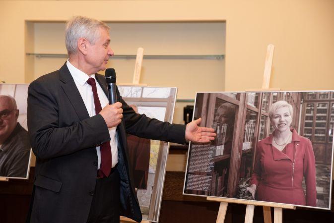Izglītības un zinātnes ministru atmiņas iemūžinātas fotoizstādē