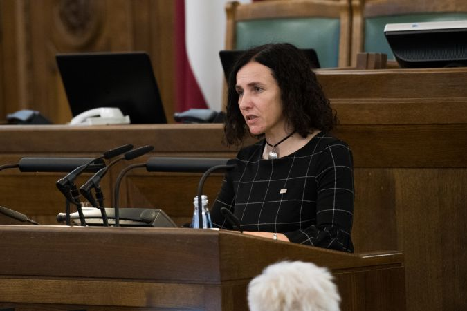 Izglītības ministres amata kandidāte I. Šuplinska turpinās skolu tīkla reformu