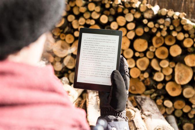 Publiskajās bibliotēkās būs iespēja bez maksas lasīt latviešu autoru darbus e-grāmatas formātā tiešsaistē