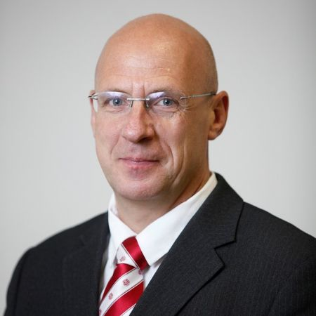 Latvijas Sporta pedagoģijas akadēmijas rektora amatā apstiprina Juri Grantu