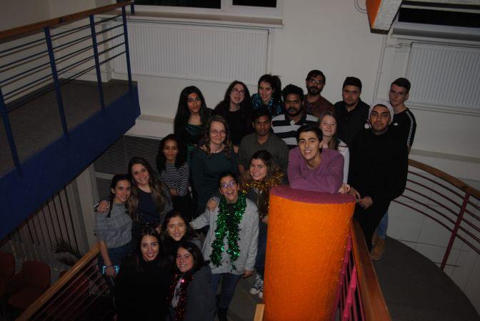 Eksperte: Ārvalstu studenti apgūst latviešu valodu un priecājas, ka Latvijā svin vārda dienas