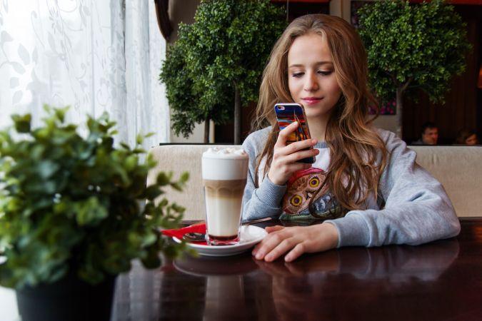 """Uzticības tālrunis sāk akciju """"Drošāka interneta diena"""""""