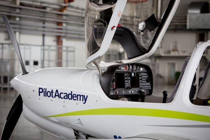 AirBaltic aicina pieteikties lidojumu skolai
