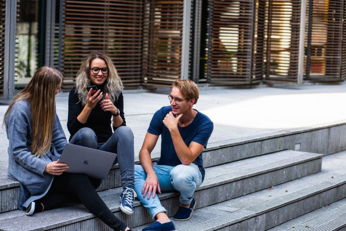 Aptauja: Trešdaļa vidusskolēnu nav pauduši pārliecību par studiju sākšanu uzreiz pēc vidusskolas absolvēšanas