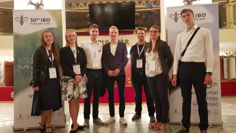 Latvijas skolēni izcīnījuši trīs medaļas Starptautiskajā bioloģijas olimpiādē