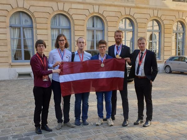 Latvijas skolēni izcīnījuši četras medaļas Starptautiskajā ķīmijas olimpiādē