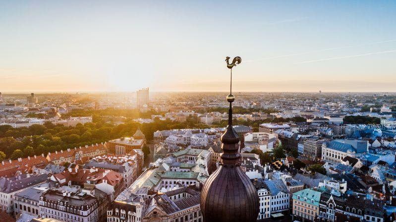 Pirms mācību gada sākuma Rīgā brīvas 385 pedagogu vietas