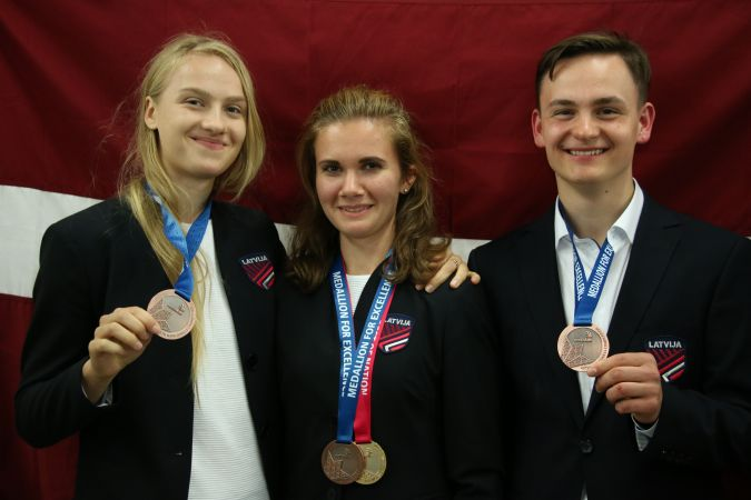 Latvijas komandai WorldSkills 2019 konkursā 3 medaļas par izcilību