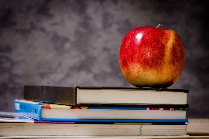 Nākamgad IZM varētu pārtraukt finansēt brīvpusdienas 1.-4. klašu skolēniem