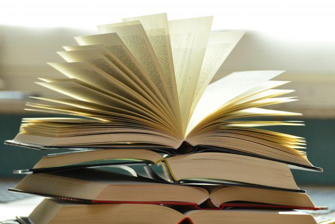 Izvēlies E-klases Drošā skolēna apdrošināšanu un pērc grāmatas lētāk