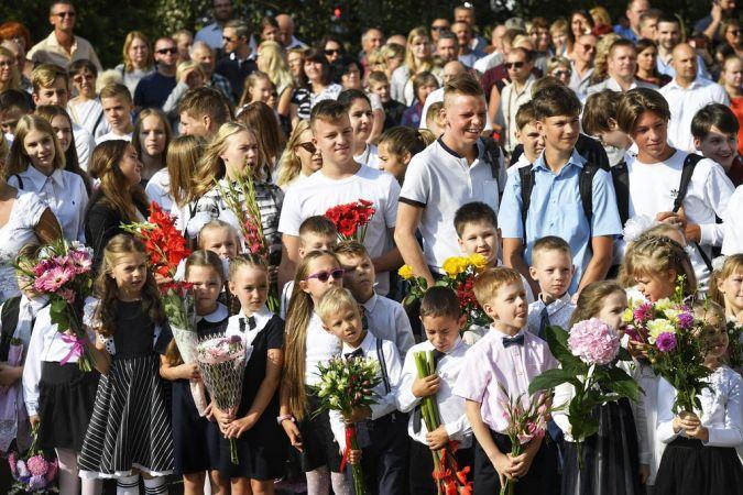 Šajā mācību gadā Latvijā skolas gaitas uzsāka 214 521 skolēni