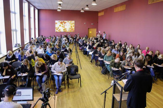 Sākas pieteikšanās V pasaules diktātam latviešu valodā