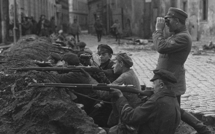 """Izstāde """"Rīgas skolēni Latvijas Neatkarības karā 1918 - 1920"""""""