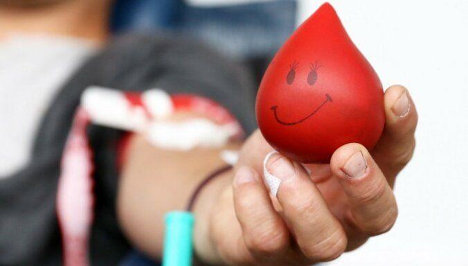 Valsts asinsdonoru centrs šogad īpaši aicina donorus ziedot asinis pirmssvētku laikā