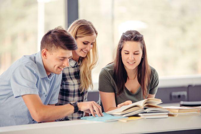LU Sociālo zinātņu fakultāte aicina vidusskolēnus uz Jauno profesionāļu skolu