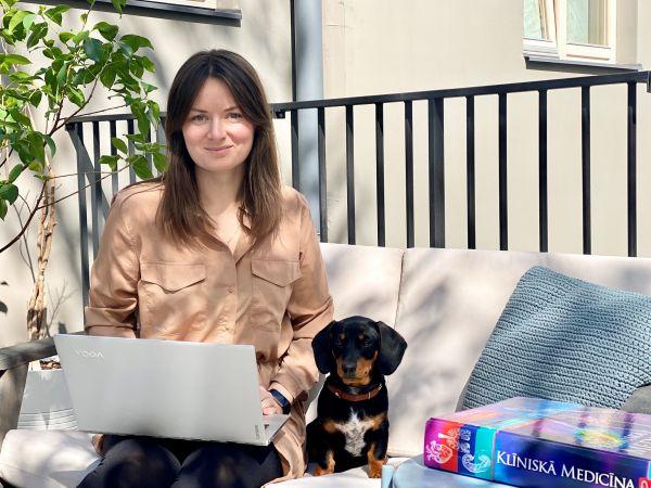 Digitalizēties jaunā līmenī: RSU studentu pieredze, studējot mājās
