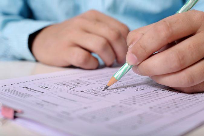 Biežāk pieļautās kļūdas 12. klašu obligātajos centralizētajos eksāmenos un kā tās risināt: skaidro RSU mācībspēki