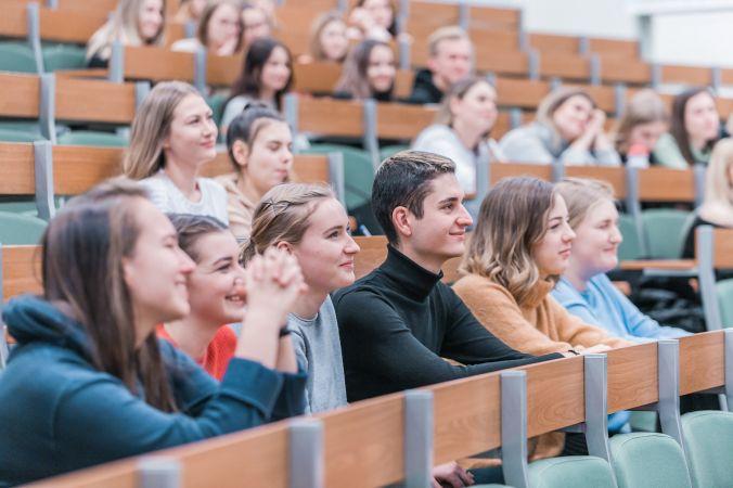 Līdz 16. augustam topošie bakalaura līmeņa studenti var pieteikties stipendijai
