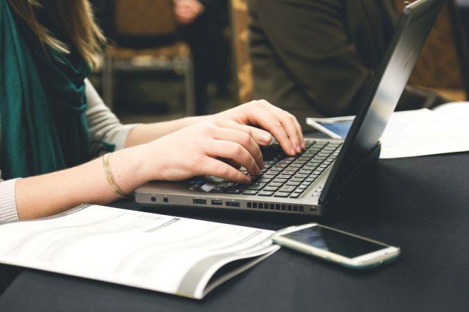 Skolotājus aicina apmeklēt bezmaksas tiešsaistes kursu par projektos balstītām mācībām