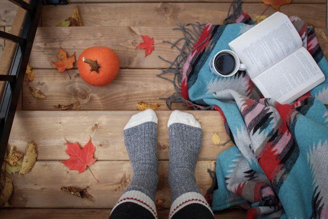 Kā labi pavadīt laiku drēgnajā rudenī?