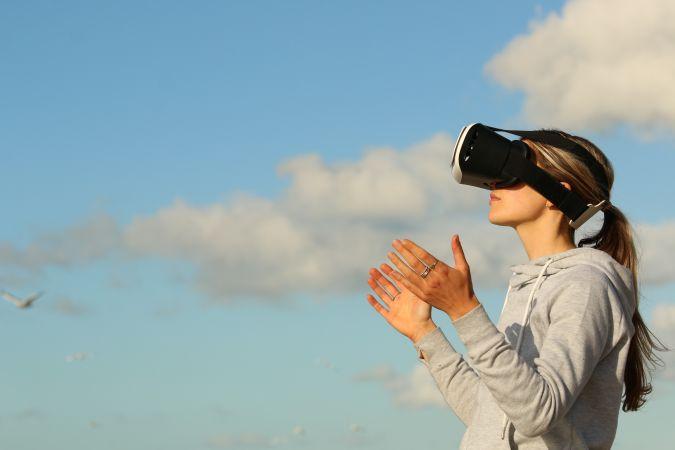 """Bezmaksas seminārs """"Virtuālā realitāte un Mākslīgais intelekts attālināto mācību organizēšanā"""""""