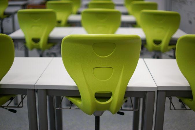 Skolas var patstāvīgi lemt par pirmā semestra vērtējuma izlikšanu