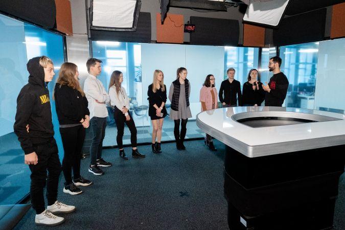 DELFI aicina skolēnus pieteikties žurnālistikas skolai