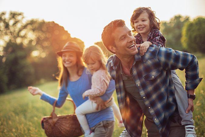 Noskaņojies vasarai! Atrodi apģērbus visai ģimenei un ietaupi līdz pat 80 % tīmekļa vietnē BestSecret