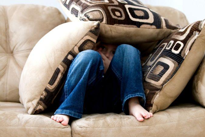 Aptauja: sabiedrība kļūst zinošāka par seksuāliem pāridarījumiem pret bērniem