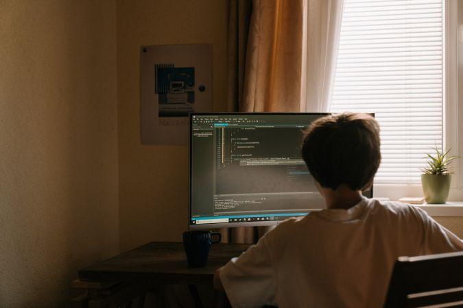Publicētas 32 bezmaksas programmēšanas video nodarbības sākumskolas vecuma posma bērniem
