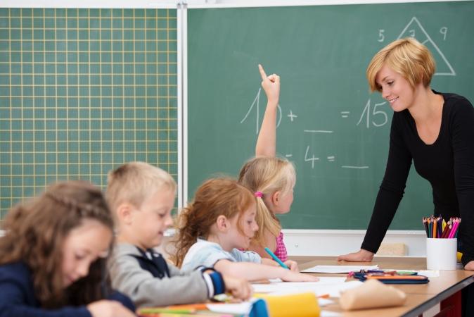 Lietuvas valdība jaunas saistības skolotāju algu celšanā varētu uzņemties tikai no 2020.gada