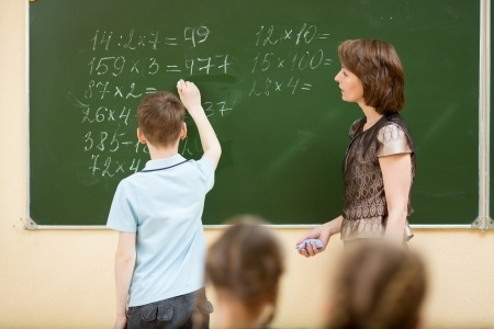Jelgavas skolu direktori vienojas apvienot divas skolas un izveidot pamatskolu Pārlielupē