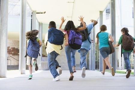 IZM piedāvā ieviest 25 skolēnu minimumu vidusskolas klasē lielajās pilsētās un 12 - attālos reģionos